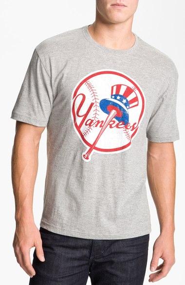 New York Yankees' Graphic T-Shirt–