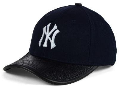7777d5c8f New York Yankees Pro Standard MLB Premium TC Curve Strapback Cap ...