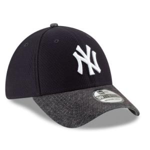 757f3e00100df Men s New York Yankees New Era Black 2018 Memorial Day On-Field Low ...